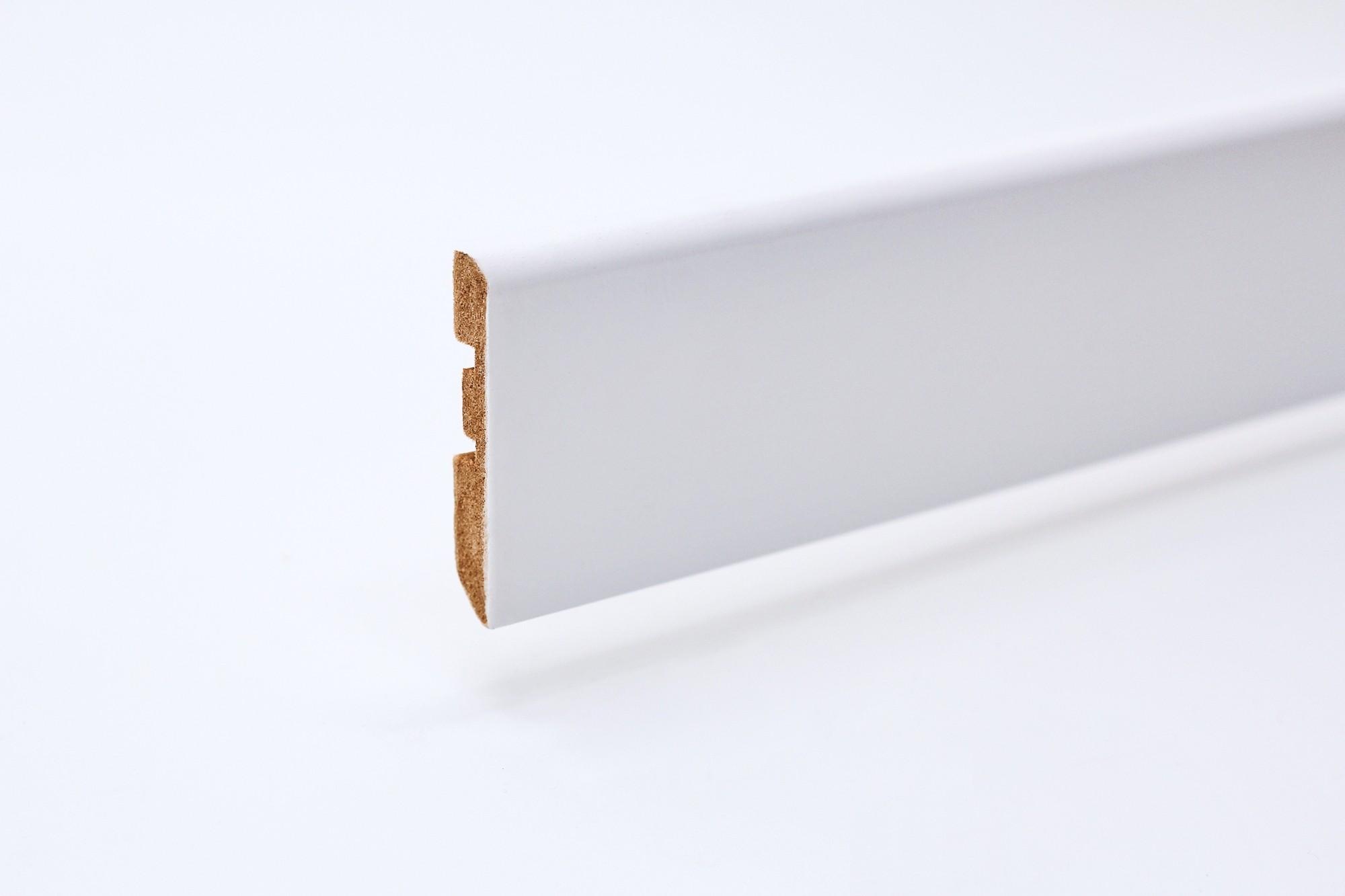 Sockelleiste (2400 x 10 x 58) abgerundet weiß lackiert - Interio
