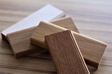 verschiedene Oberflächenmuster aus Eichenholz